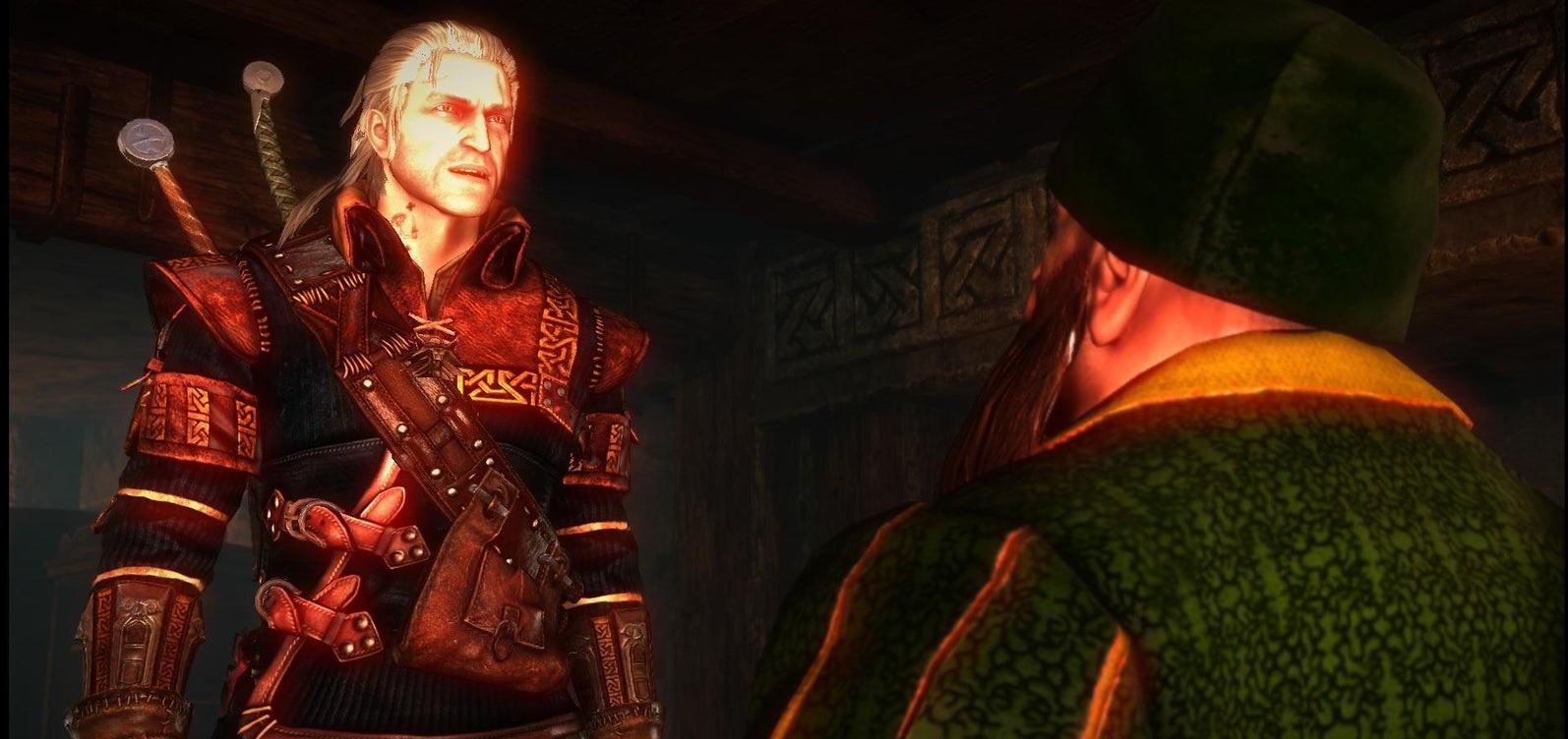 Fragment gry Wiedźmin 2: Zabójcy Królów przedstawiający Geralta i Cecila Burdona, którego dubbingował Włodzimierz Bednarski.