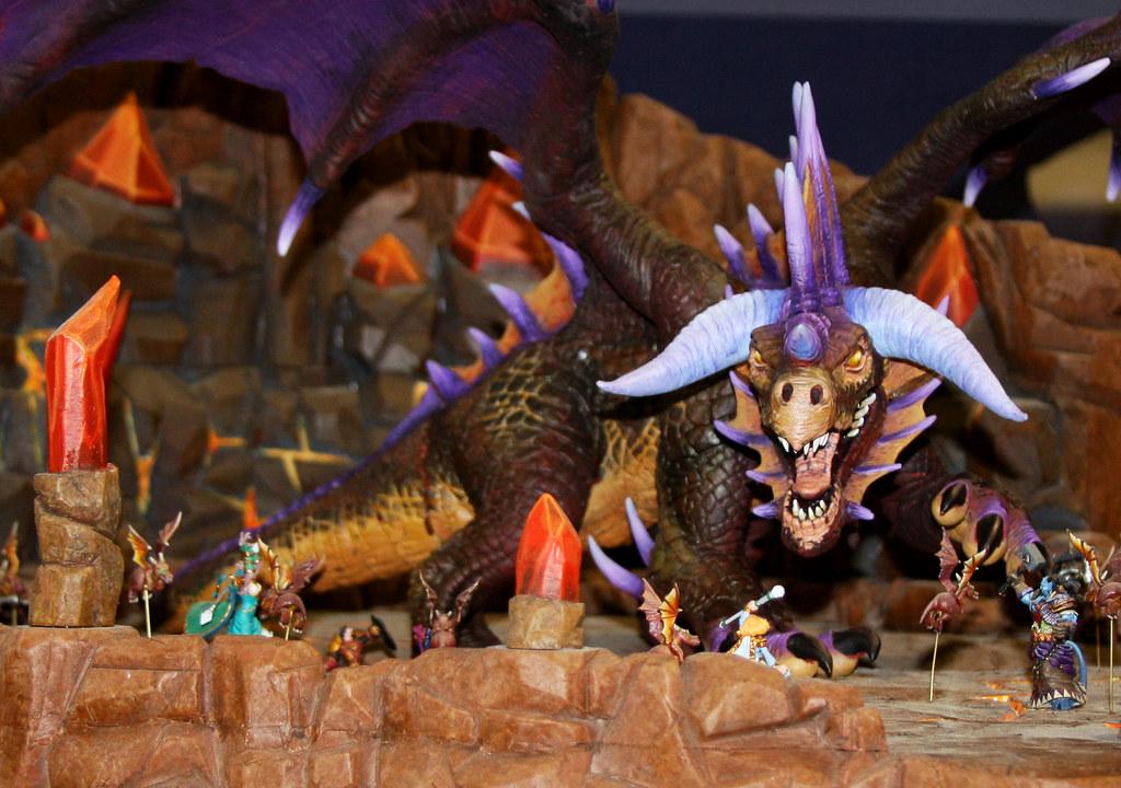 Figurka Onyxii legendarnego bossa w rajdzie w WoW-ie.