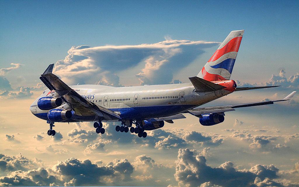 Boeing 747-400 w powietrzu.