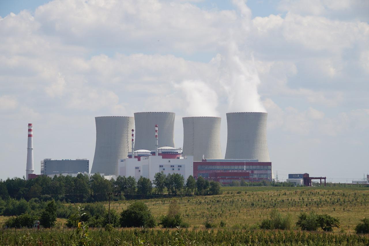 Elektrownia atomowa, pole.