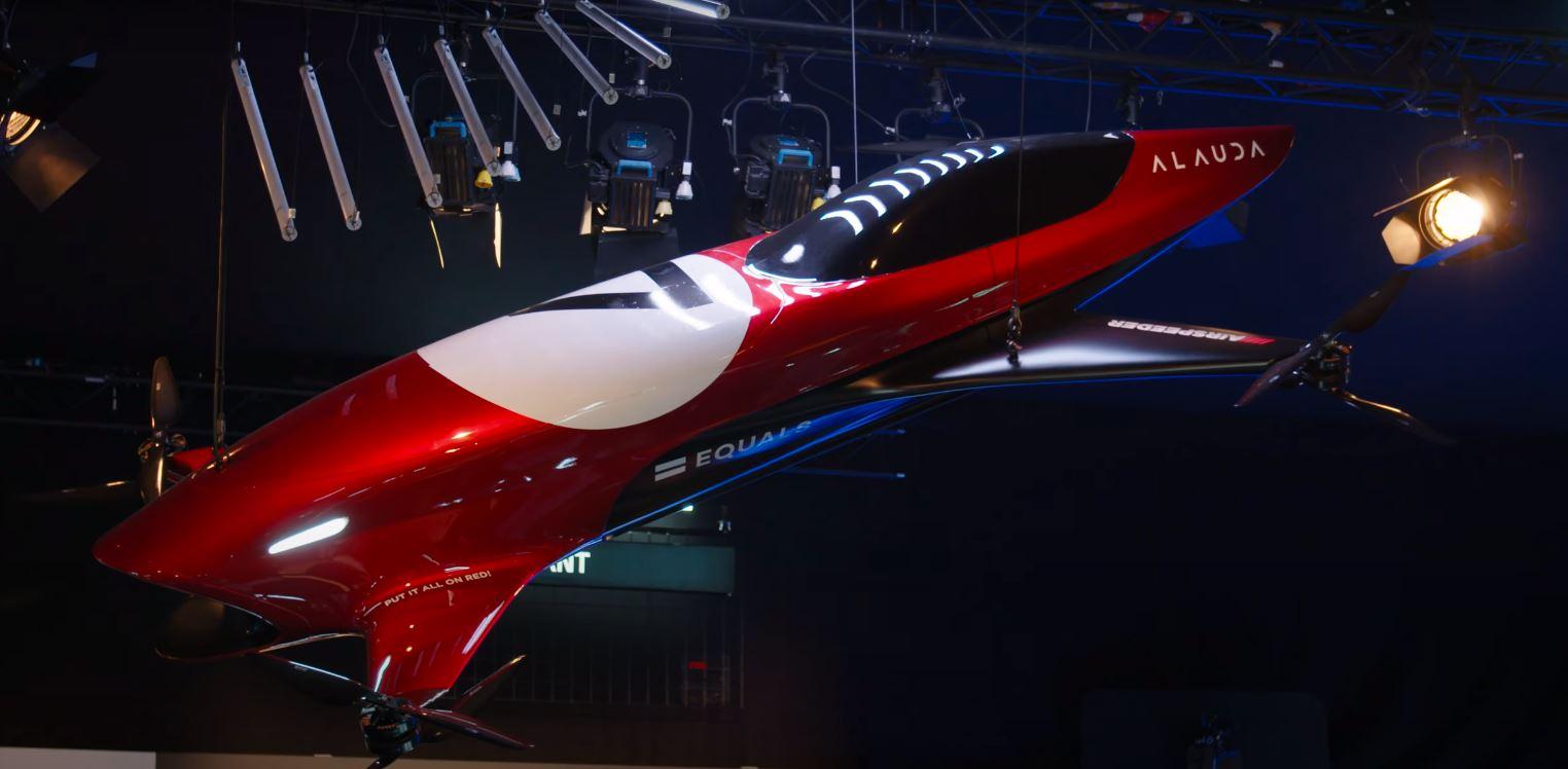 Ścigacz Airspeeder od firmy Alauda podczas prezentacji.