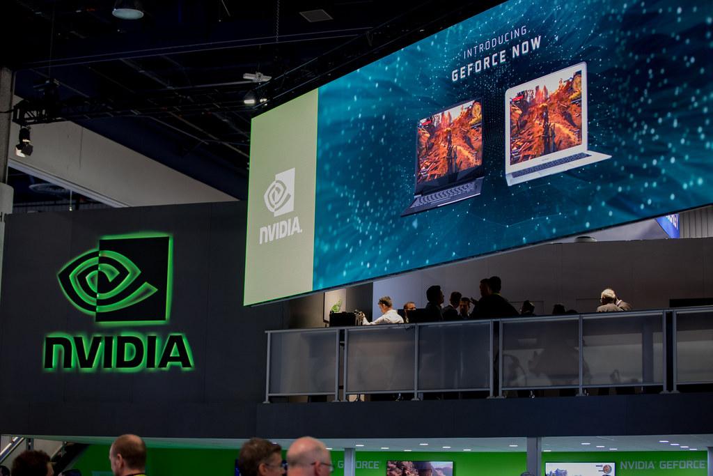 Stanowisko Nvidia GeForce Now na konferencji.
