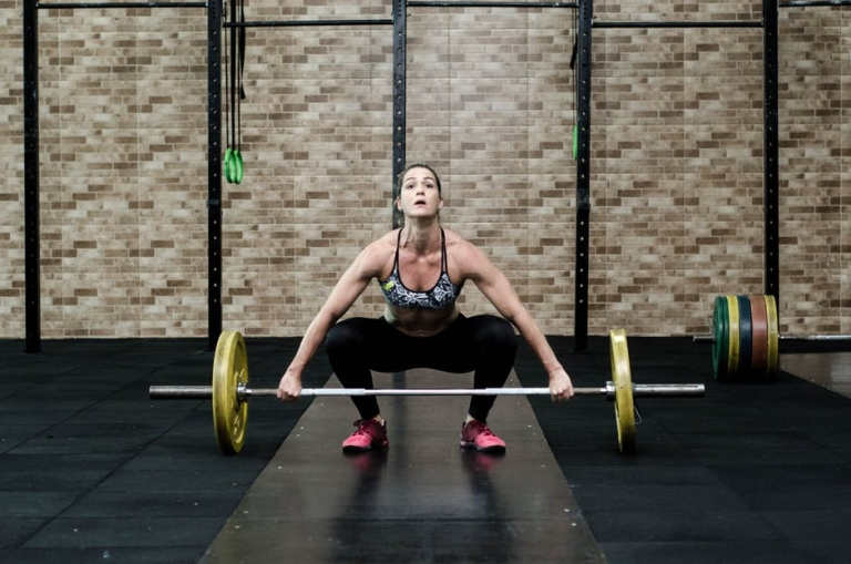 Woman preparing for a snatch