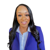 Julia  – HR Manager – Profile Picture