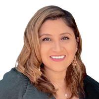 Claudia  – Director, HR Accounts – Profile Picture