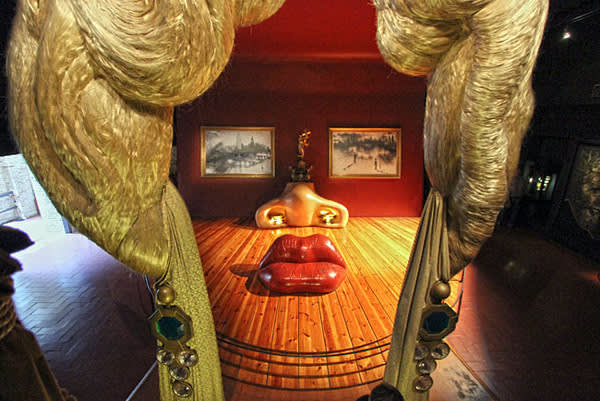 Mae West Room, At the Dalí Theatre-Museum, Spain