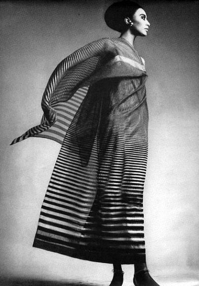 Donyale luna  1966 vogue by richard avedon