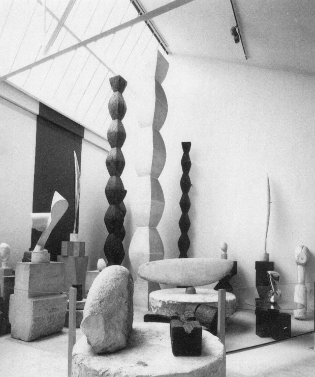 Constantin brancusi  studio reconstruction at the mus  e national d   art moderne  1979