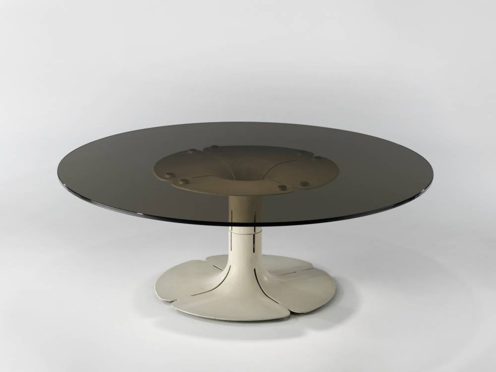 Pierre paulin  e  lyse  e low table  1971