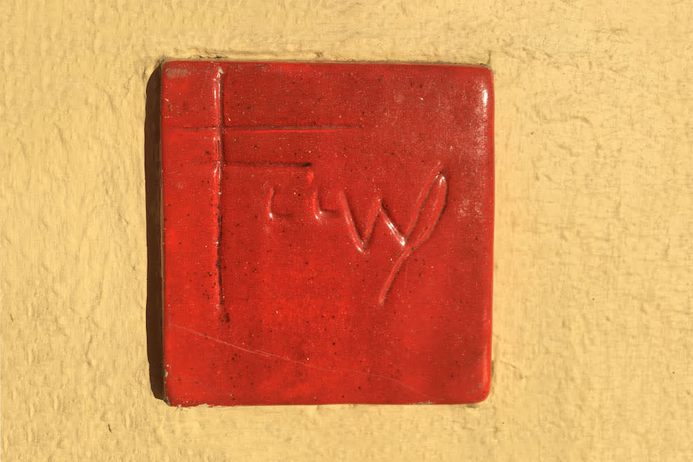 Frank Lloyd Wright , Red Square Tile