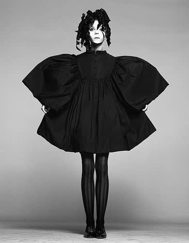60s icon penelope tree looks both sweet and kinda goth in this cool oversized frock.