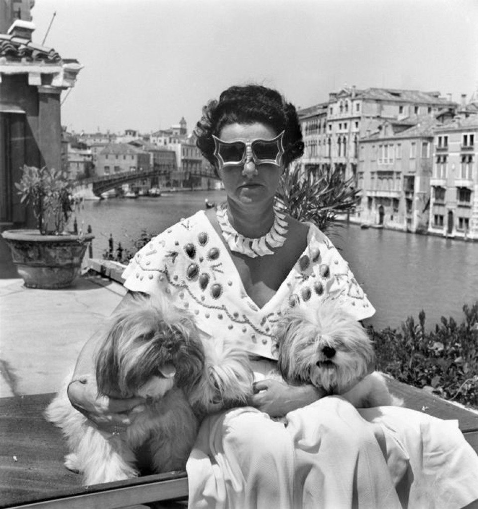 David seymour  mrs peggy guggenheim in her palace on the grand canal. 1950