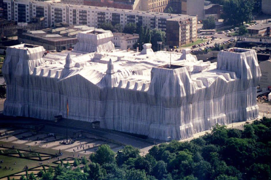 Jeanne-Claude and Christo, Wrapped Reichstag, 1995