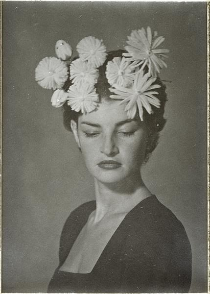 Lv ss 2007   man ray 1946  frida kahlo inspired white flower halo