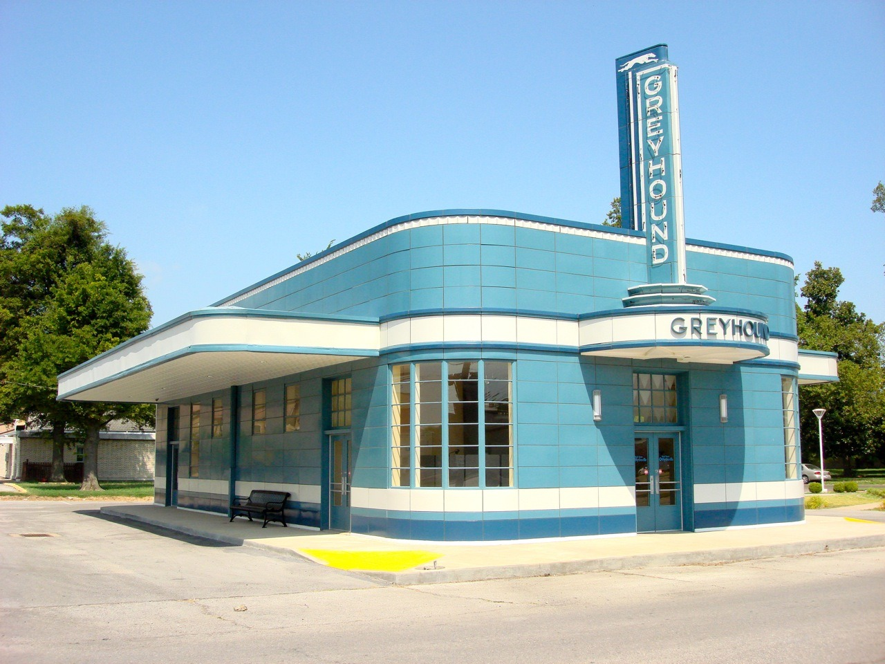 Greyhound bus station in jackson  tennessee  built in 1938