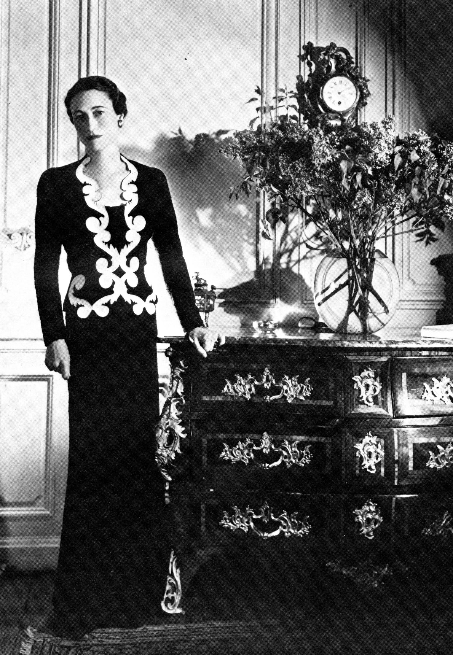 Cecil beaton  wallis simpson in elsa schiaparelli   1937