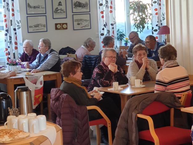 Sosialt samvær på Pensjonisten