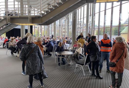 God stemning allerede før konserten  - Grieghallen solgte mat og drikke til alle som ønsket