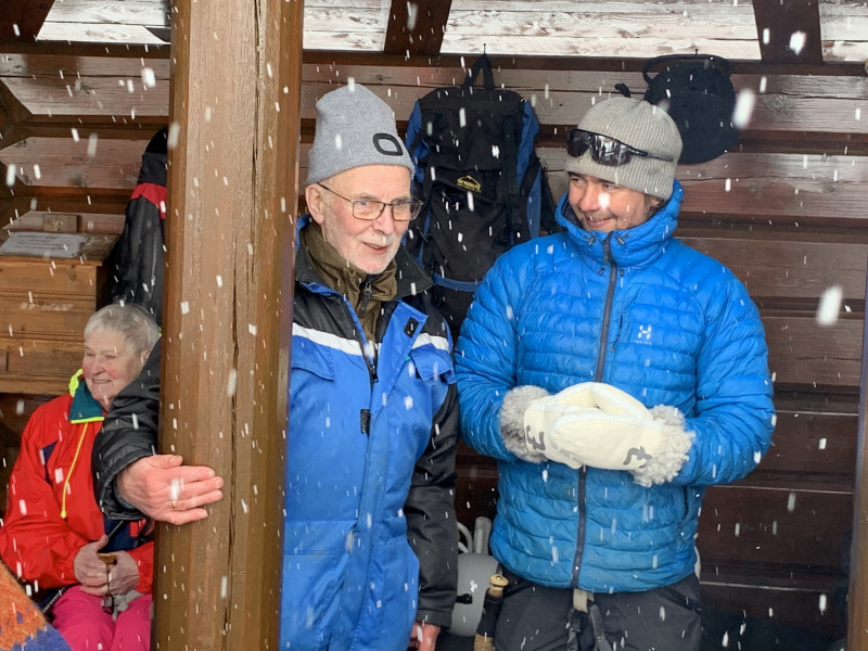 Leder Johannes Finstad sammen med villmarksmannen og eventyreren Jens Kvernmo