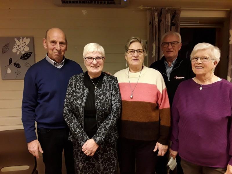 Fra venstre: Kjell Østingsen, Tove Gabrielsen, Harriet Rødsand, Jan Valle og Nannbjørg Johnsen (Arnhild Kristoffersen var ikke tilstede)
