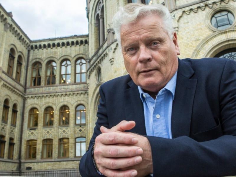 Pensjonistforbundets leder Jan Davidsen ber om møte med finansministeren for å få endret reglene for fripoliser.