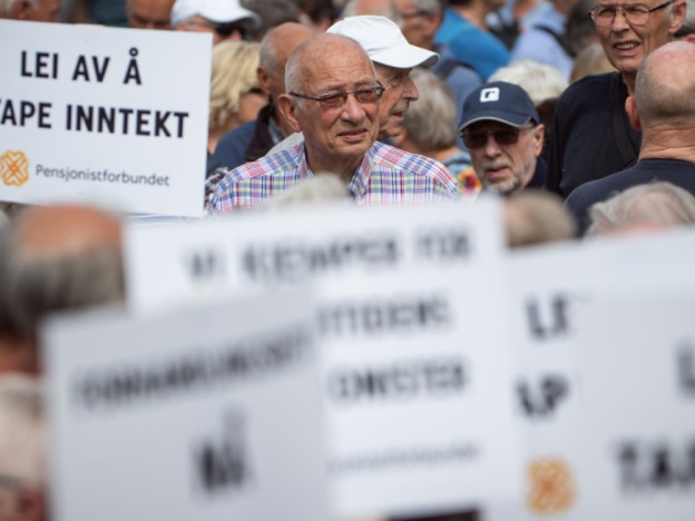 6. juni 2019 demonstrerte ca 4000 medlemmer av Pensjonistforbundet foran Stortinget. (Foto: Torbjørn Tandberg)