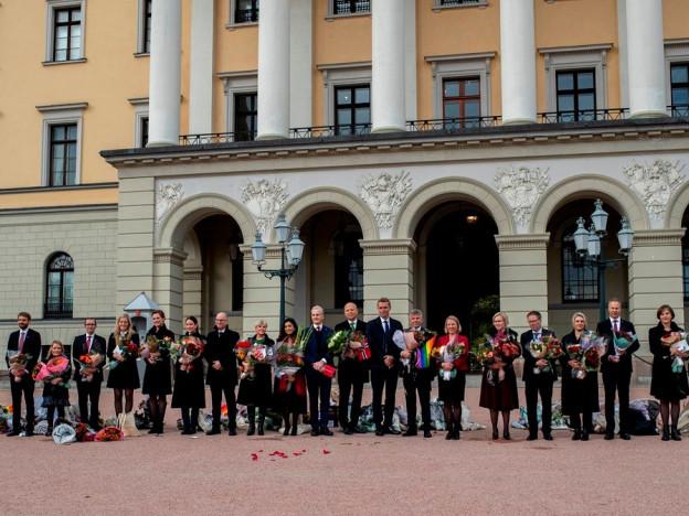 Jonas Gahr Støres regjering på Slottsplassen etter statsråd 14. oktober 2021. Foto: NTB Kommunikasjon/Statsministerens kontor