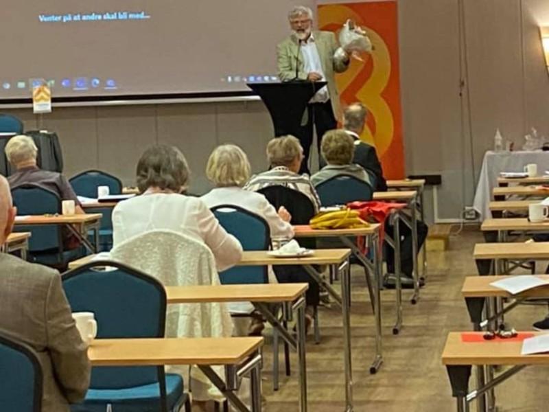Bilde fra årsmøtet 2021: takket være gode restriksjonsoppfølging fra Scandic City Fredrikstad, fikk vi møttes fysisk.
