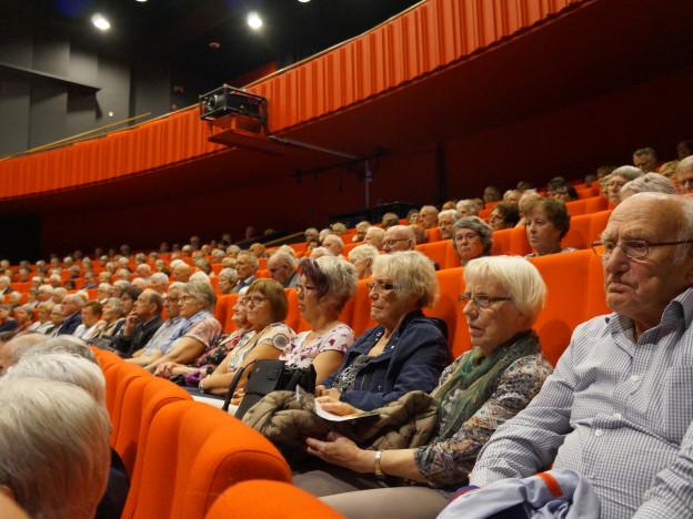 Fullsatt sal i Operahuset på Nordfjord på Sommartreffet 2018 - vi gler oss til vi kan gjere dette igjen.