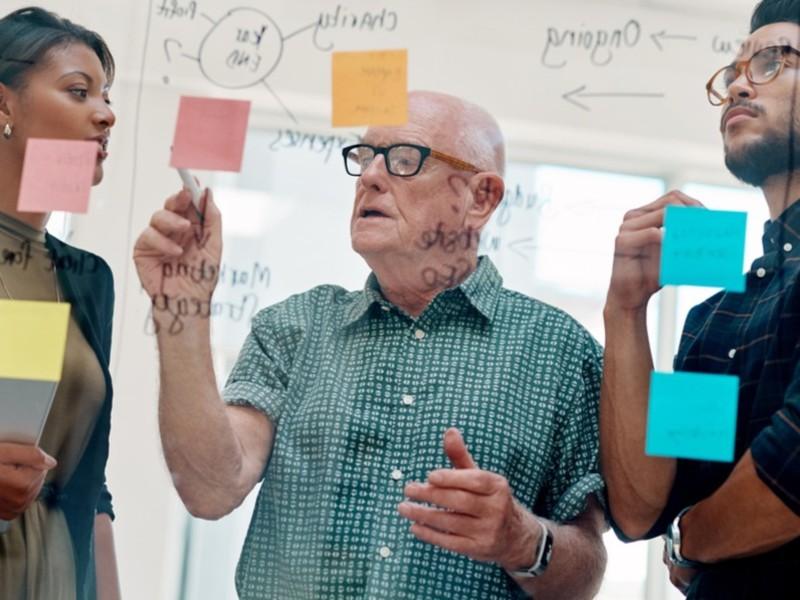 """Offentlig ansatte som jobber ut over """"normal"""" pensjonsalder, risikerer å tape pensjon for hver måned. (Illustrasjonsfoto: iStock)"""