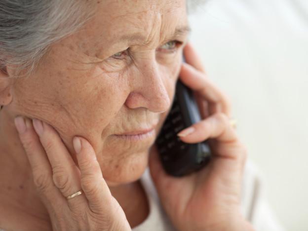 De som betjener Bekymringstelefonen, har faglig bakgrunn fra helse- eller sosialsektor, og de har god erfaring med hva brukerne trenger. De er selvsagt underlagt taushetsplikt. (Illustrasjonsfoto: iStock)