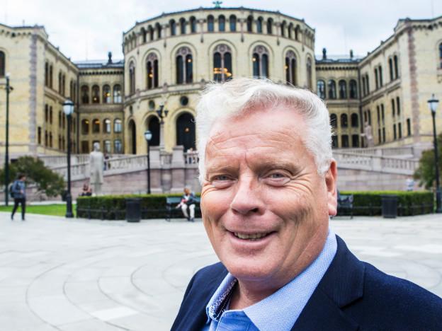 Forbundsleder Jan Davidsen kan i dag koste på seg et smil, etter stortingsvedtaket som gir Pensjonistforbundet fullt gjennomslag for krav til trygdeoppgjøret. (Foto: Johnny Syversen)