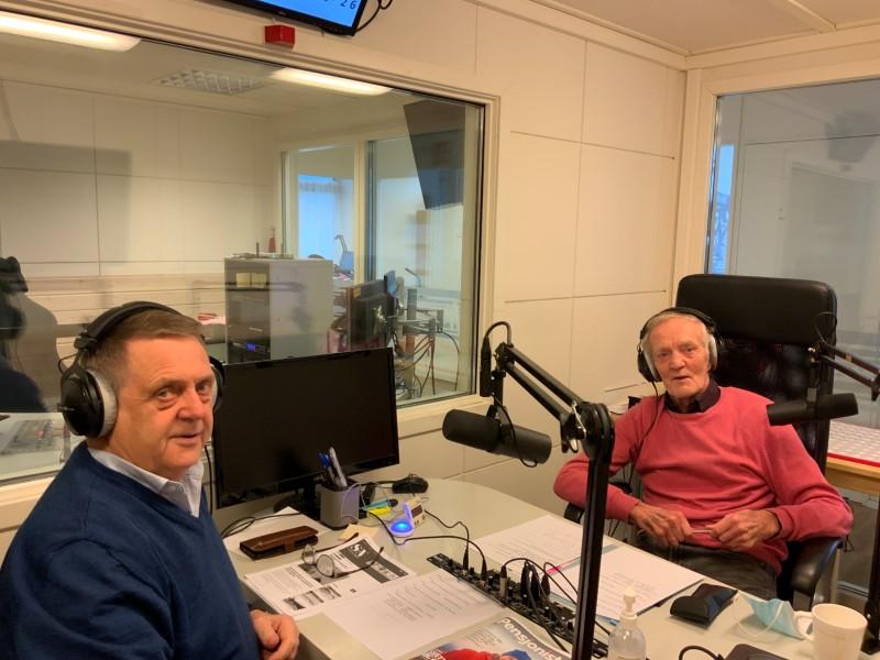 Nestleder og leder i Stjørdal Pensjonistlag, Kåre Børseth og Per Olaisen, under sending av Pensjonistprogrammet i Radio Trøndelag.