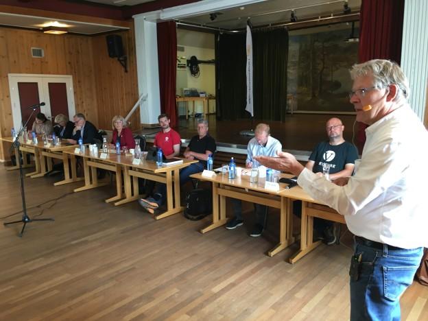 Gen.sekr. Harald Olimb Norman utfordret partiene på viktige eldresaker. (Foto: Finn-Åge Løvlien)