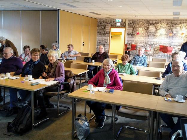 Mer enn 20 pensjonister deltok på vårt første nettbank-kurs