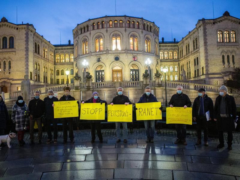 """Markering foran Stortinget 11.12.2020 - før avstemning om """"samordningsfellen"""" i Stortinget (Foto: Johnny Syversen)"""