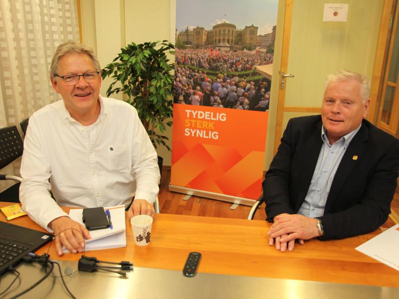 Generalsekretær Harald Olimb Norman (t.v.) og forbundsleder Jan Davisen har grunn til å smile litt, når regjeringen inngår budsjettenighet med Frp.