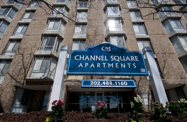 channel-square-apartments-washington-dc-entry-sign
