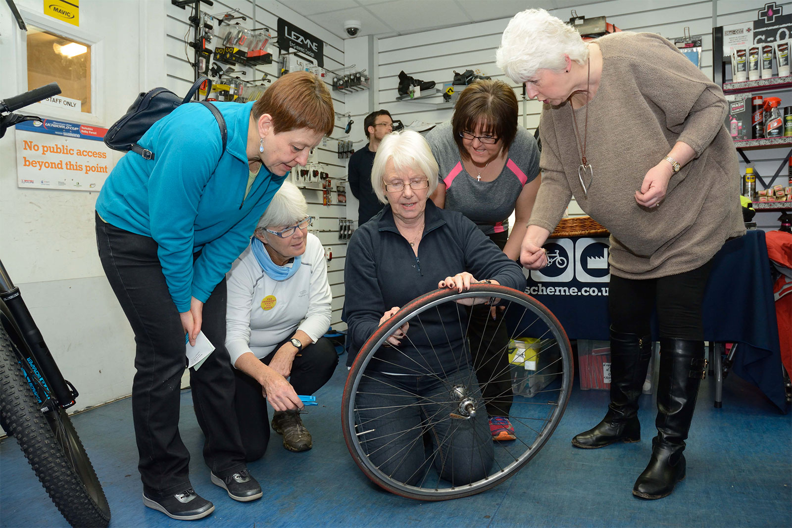 Women s cycling campaign - Puncture party workshop Ken Foster s Chorlton 2017
