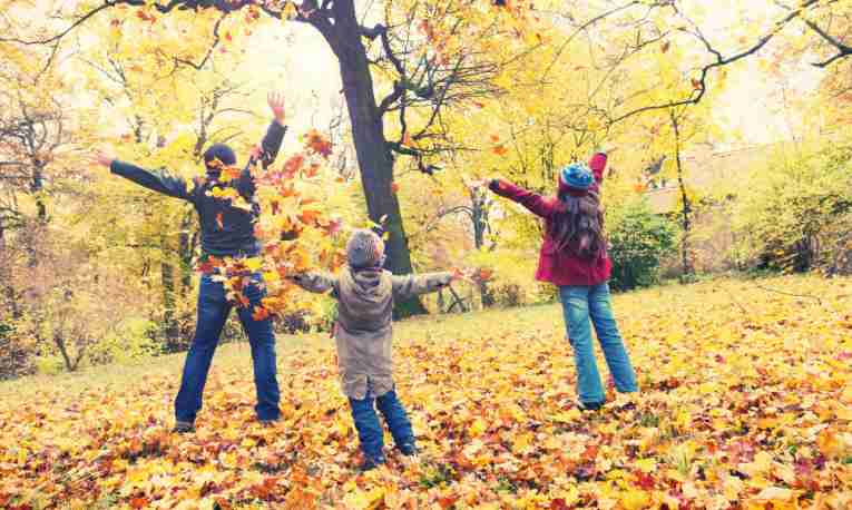 autumn-family-featured.jpg