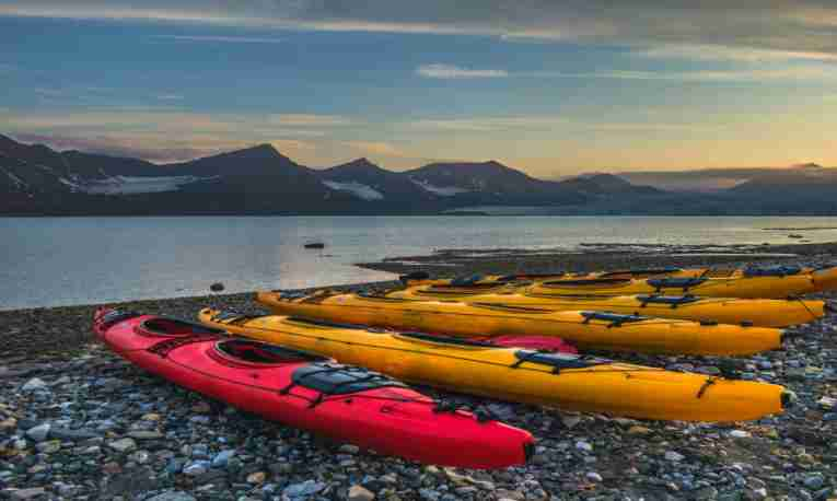 kayak-ocean-svalbard-featured-image.jpg