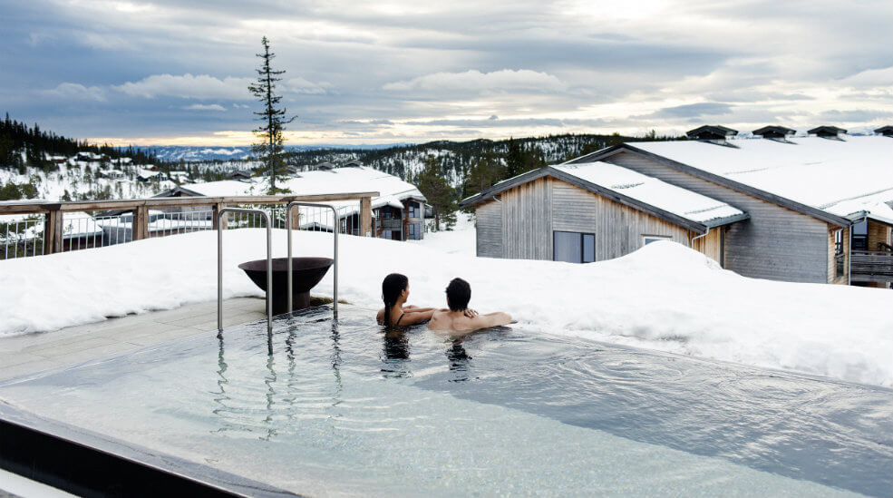 norefjell-ski-spa-outdoor-pool.jpg