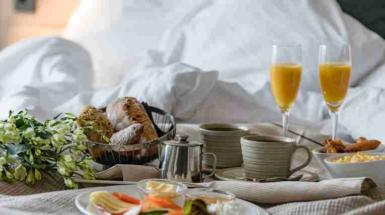 Breakfast-in-bed-clarion-hotel-gillet