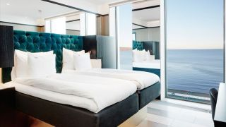 deluxe-double-room-with-view-vox-hotel_16_9