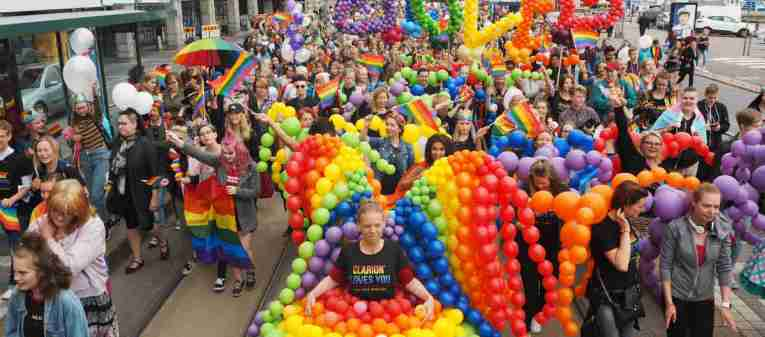 helsinki-pride-parade-featured.jpg