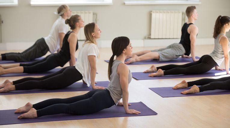 Enkel yoga för semestern - tips på 5 positioner - Nordic Choice Hotels 7d1311f4661e2