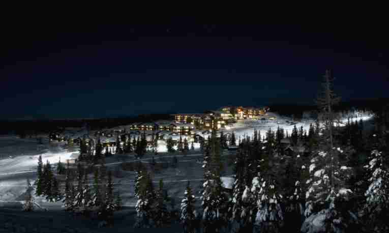 Norefjell Ski & Spa winter night