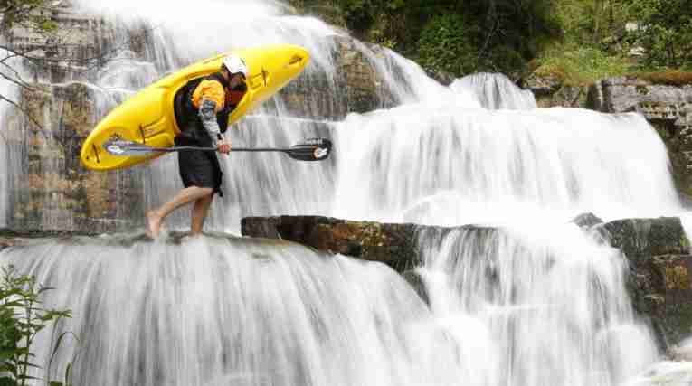 Man-with-kayak-Voss-102008-99-0007-1500