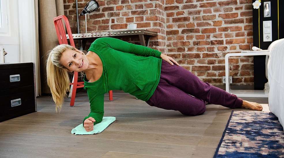 NCH_Exercise_Sideplank_985x549