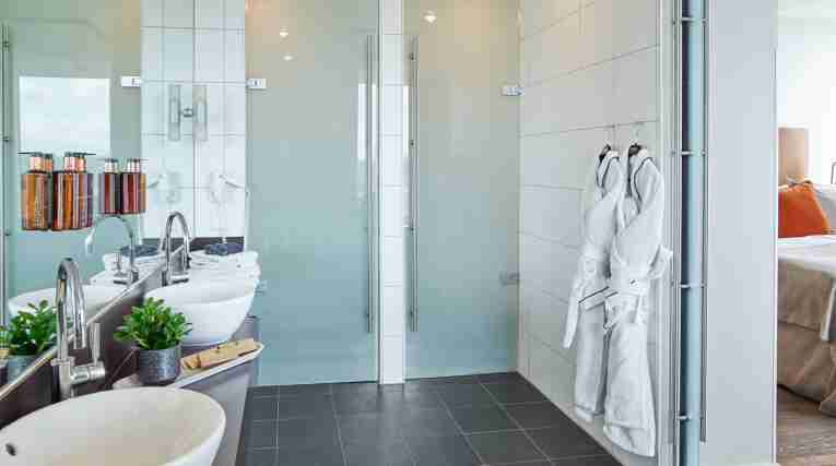 bathroom-suite-clarion-hotel-stockholm